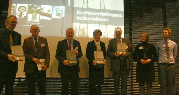 F.v Auke Lont, Einar Westre, Jørn Holme, Sigrid Hjørnegård, Agnar Aas, Sissel Riibe og Henning Weyergang-Nielsen