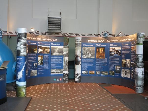 Utstillingen plassert i Maskinsalen til Tysso I. Foto: Per Einar Faugli/ NVE.
