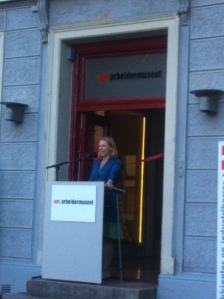 Arbeidminister Anniken Huitfeldt åpnet utstillingen