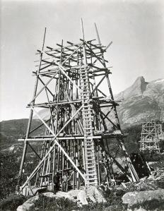 Betongmastene ble støpt på mastepunktene. Foto Statkraft