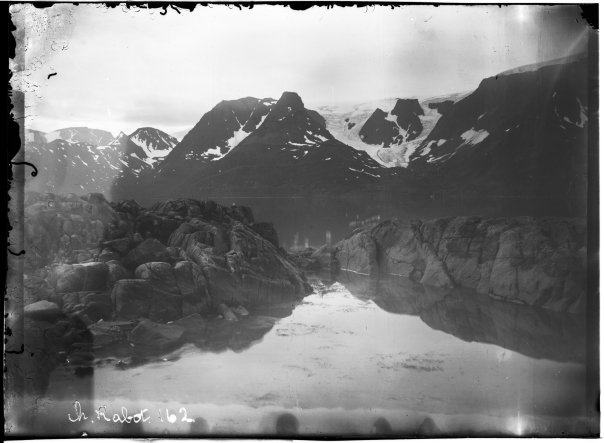 """Romsdalsbreen"", Øksfjord"