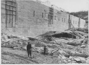 Betongkjernen i sikringsdammen 1952 - Foto ØTB-Videoarkivet