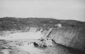 Møsvassdammen under oppføring 1906 - Foto ØTB-Videoarkivet