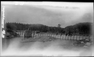 Nåledam mellom Longerakvatnet og Lislevatn - Conrad Holteng - 1929 - NVE