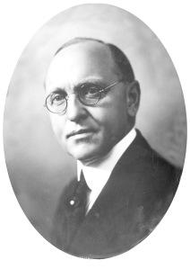 Olaf Rogstad, generaldirektør 1925-1942 og fra 1945-1947. Han var en av de fremste banebrytere for den norske hydrologi. Foto: ukjent, NVEs arkiv