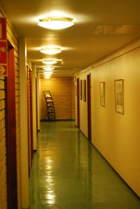 Korridorene i de fredede kontorfløyene. Foto: Rune Stubrud/NVE
