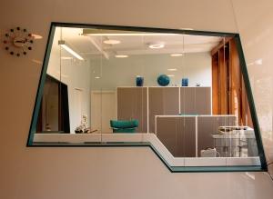 Resepsjonen, det første du møter når du kommer inn i NVE-bygget. Foto: Rune Stubrud