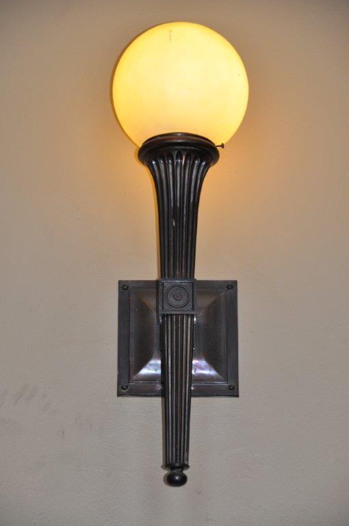 Flesaker - lampe i 1928-bygning, Sissel Riibe, NVE