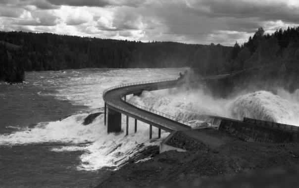 Vamma kraftstasjon flommen 1967 Foto: NVE/Edvigs Kanavin 8. juni 1967