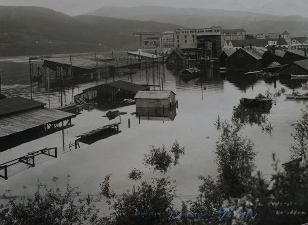 Flom på Notodden 1927. Foto: Ræstads fotosamling/NVE