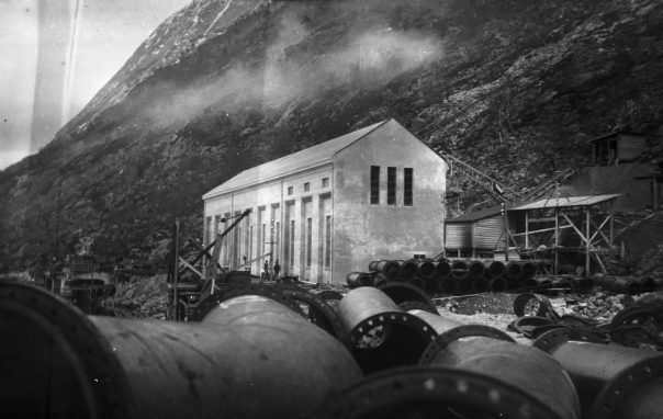 Flørli kraftstasjon under bygging. Foto: NVEs Damtilsyn