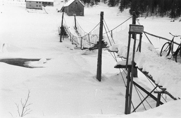 Bru over elv i Telemark.