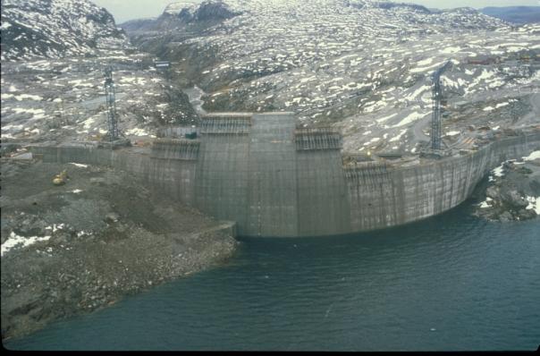 Fra bygging av Førrevassdammen