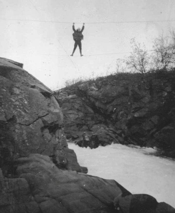 Armgang over wirebro over Nordelva